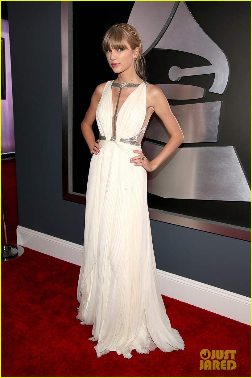taylor swift grammys 2013 red carpet 082809238