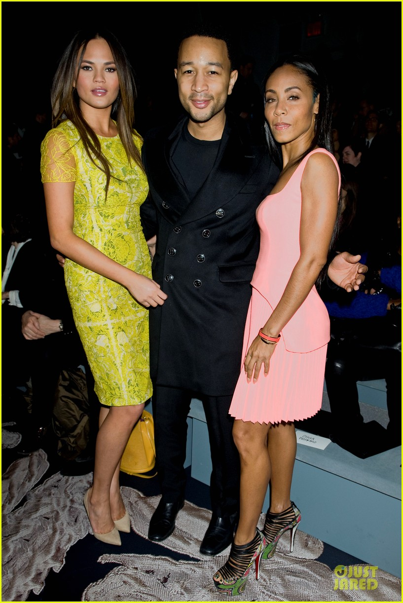 chrissy teigen john legend vera wang fashion show 01