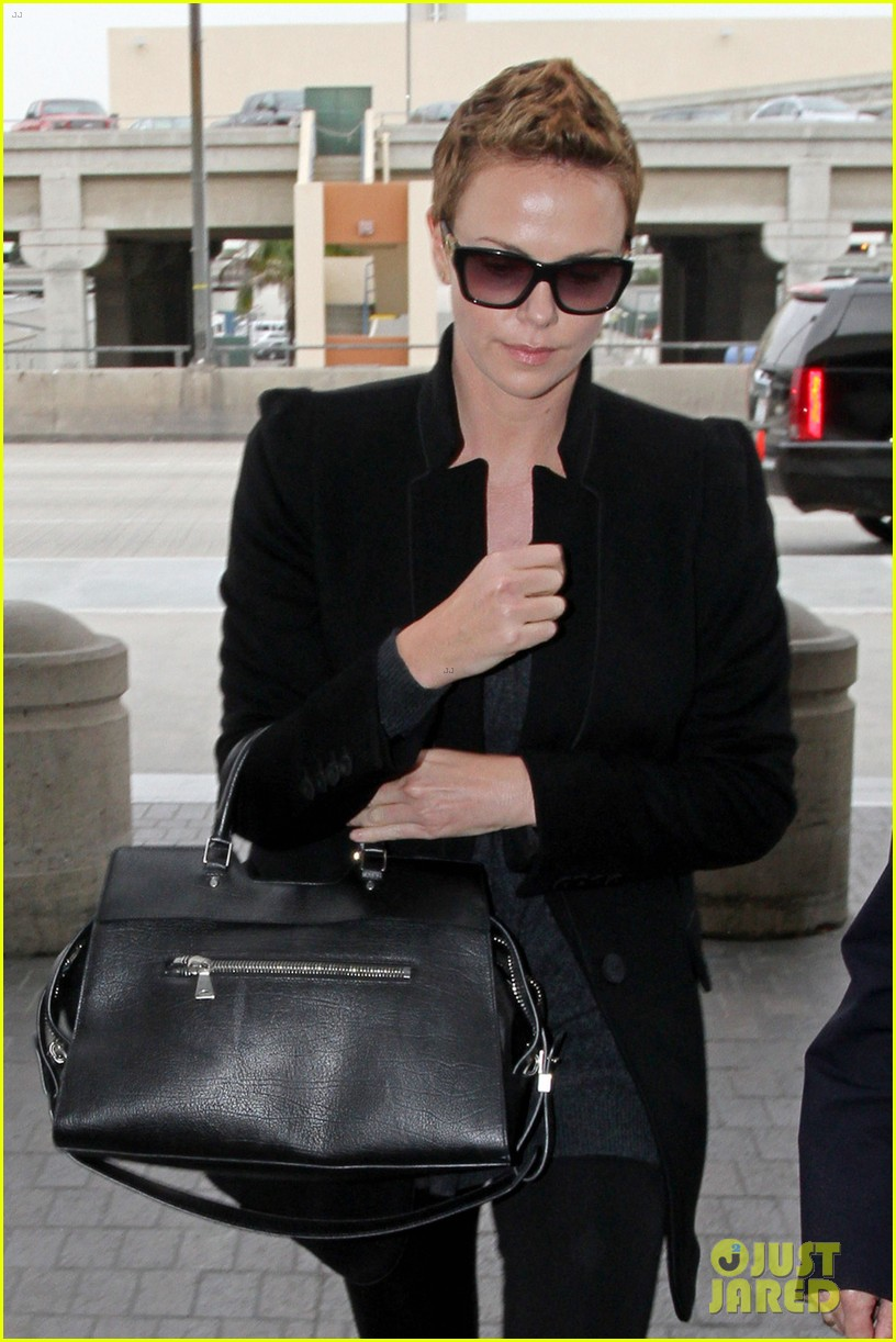 charlize theron dark places leading lady 02