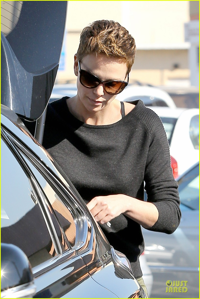 charlize theron glam squad development with style 04