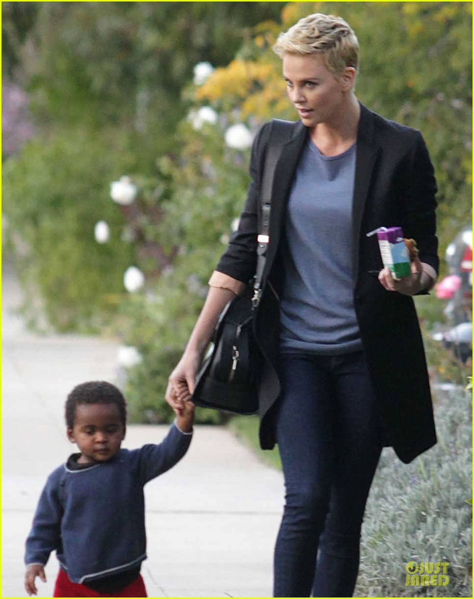 charlize theron playdate with jackson 10