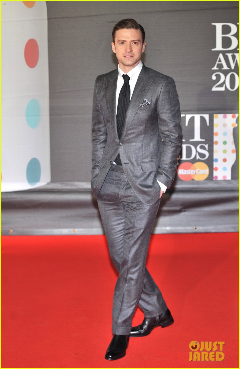 justin timberlake brit awards 2013 red carpet 01