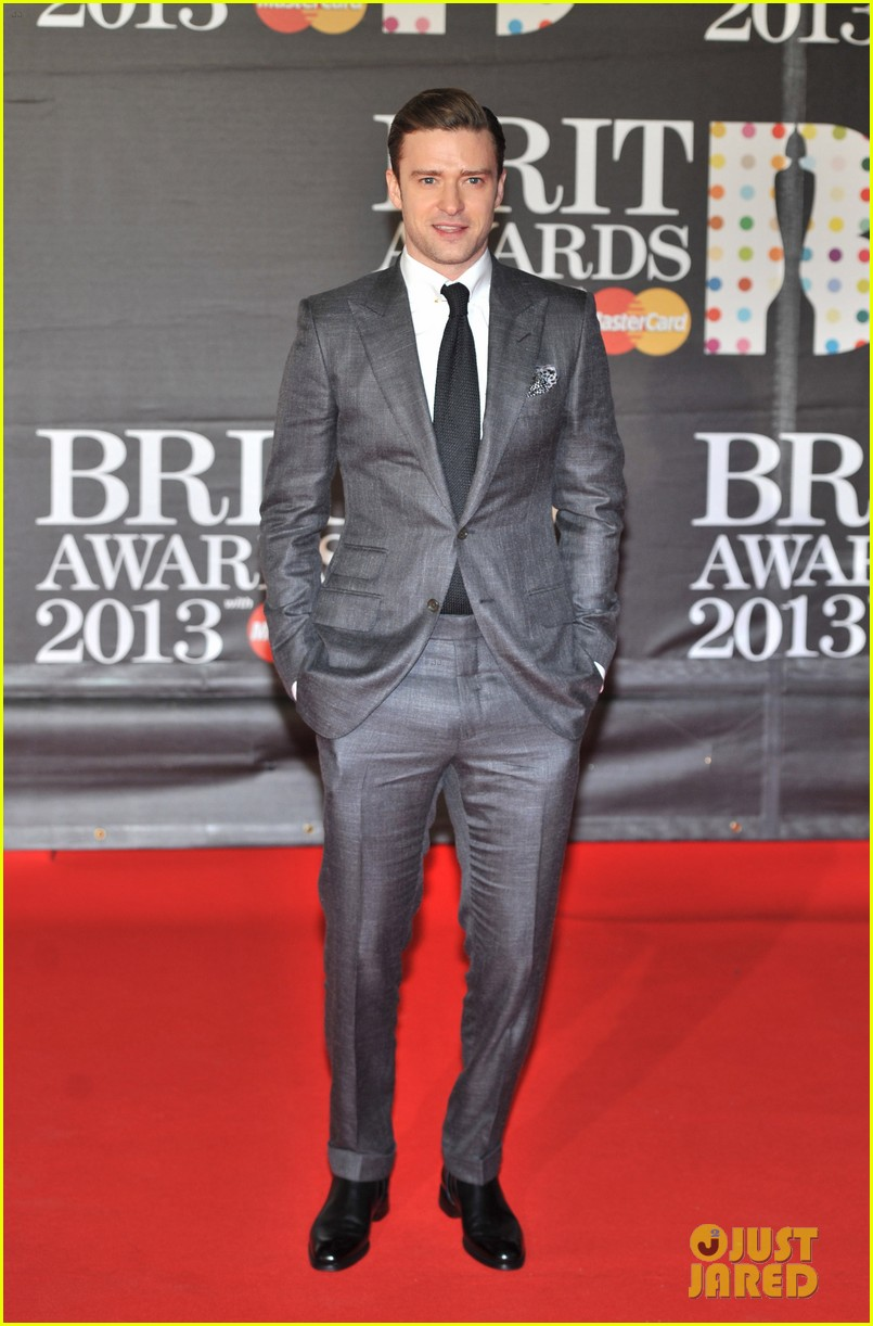 justin timberlake brit awards 2013 red carpet 05
