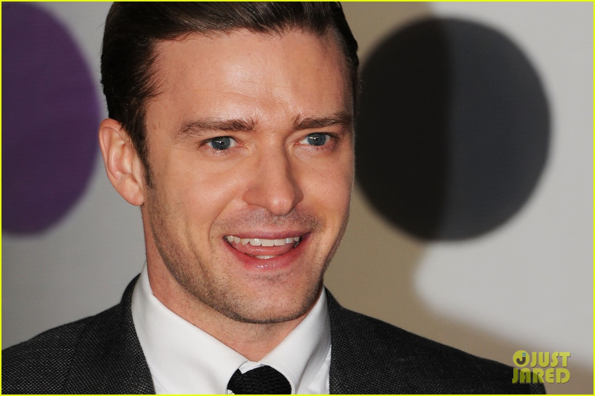 justin timberlake brit awards 2013 red carpet 092815837