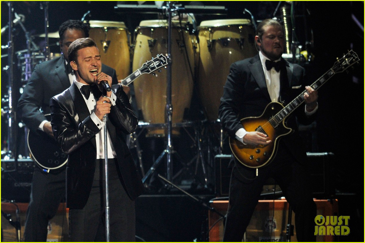 justin timberlake brit awards mirrors performance video 10