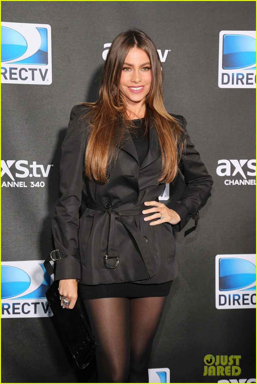 sofia vergara nina dobrev directv super bowl party 20