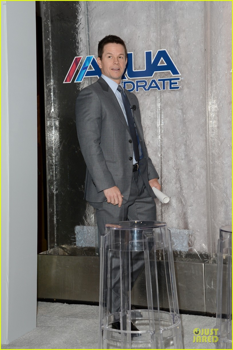 mark wahlberg sean combs aquahydrate press conference 142822023