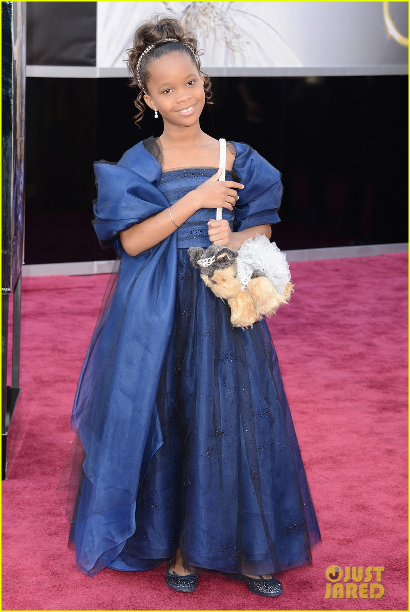 quvenzhane wallis oscars 2013 red carpet03