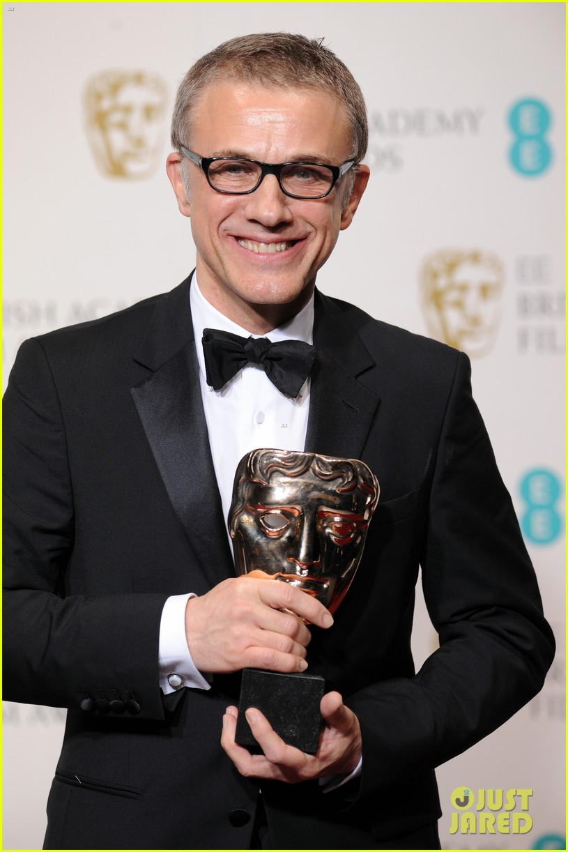 christoph waltz wins best supporting actor at baftas 2013 02