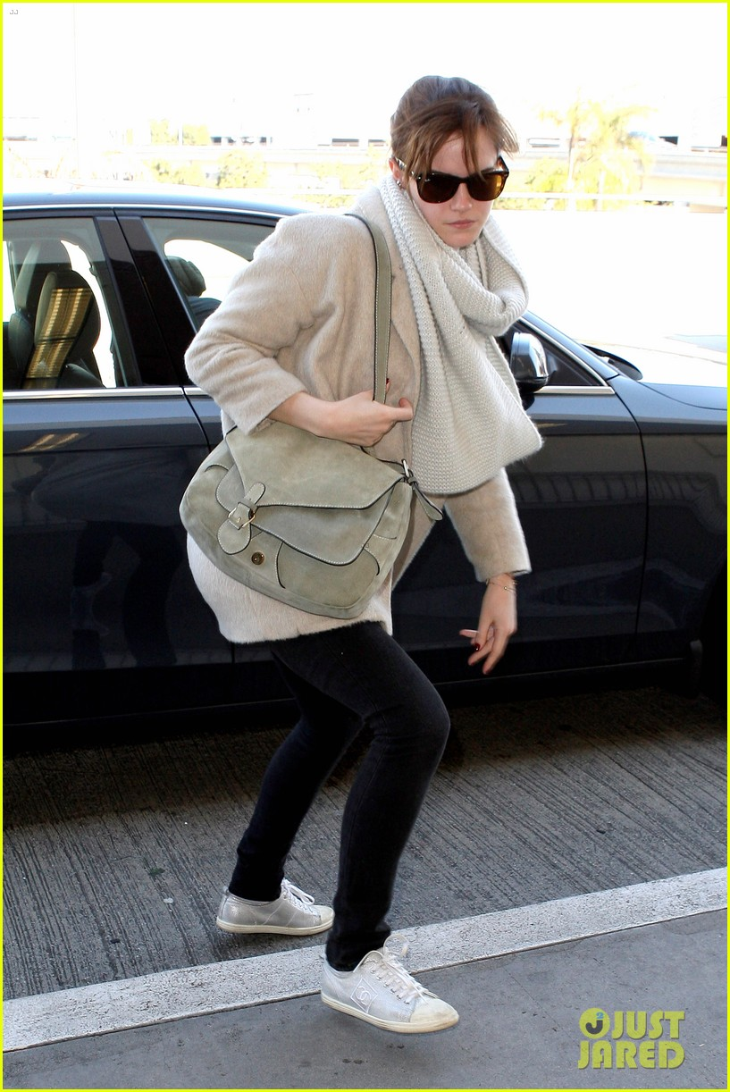 emma watson lax to jfk 09