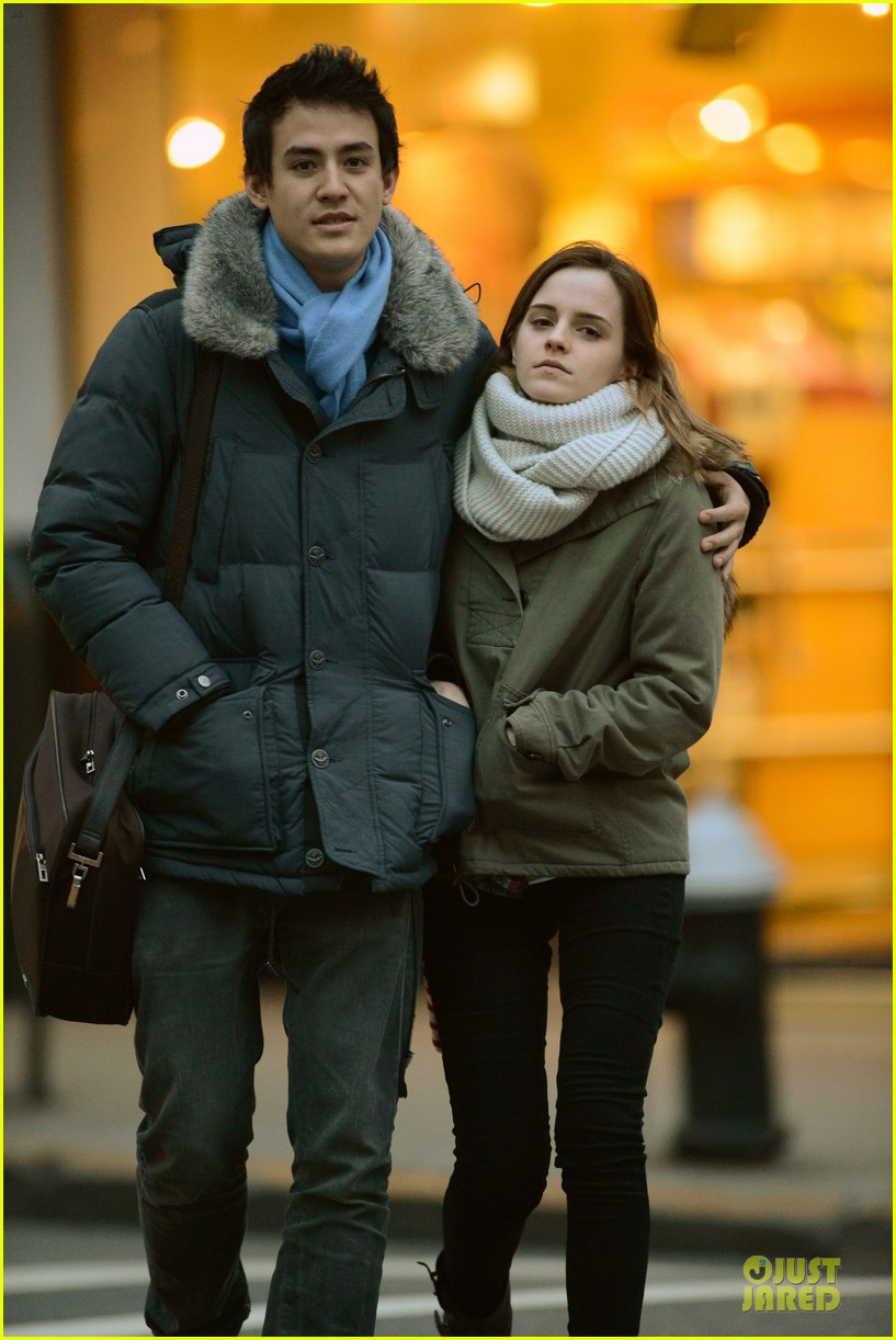 emma watson will adamowicz romantic stroll after valentines day 04