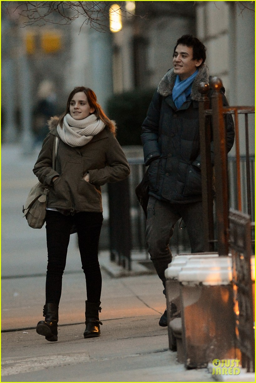 emma watson will adamowicz romantic stroll after valentines day 05