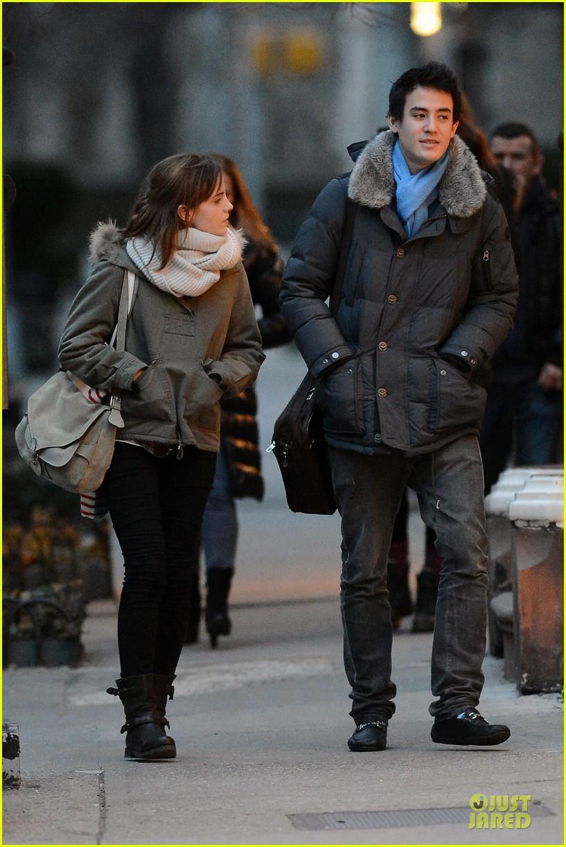 emma watson will adamowicz romantic stroll after valentines day 08