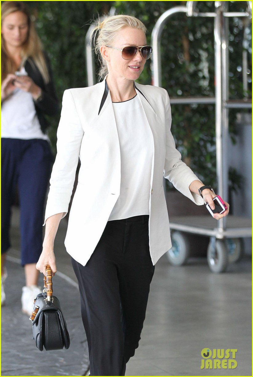 naomi watts gearing up for oscar sunday 04