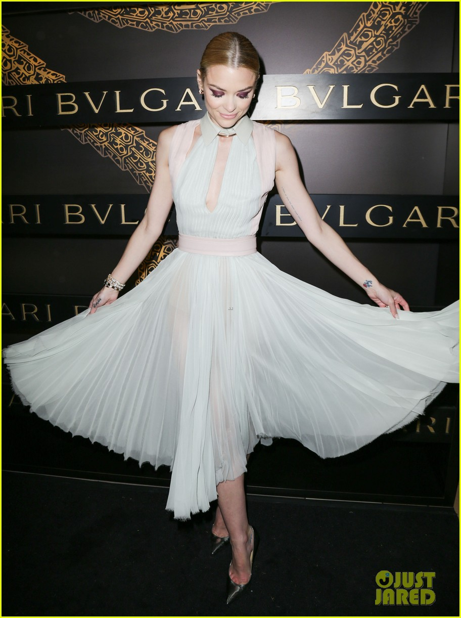 olivia wilde julianne moore bulgari serpenti event 22