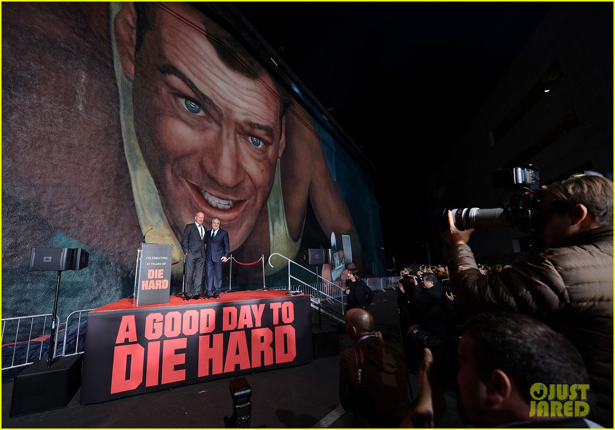 bruce willis die hard mural unveiling with jai courtney 11