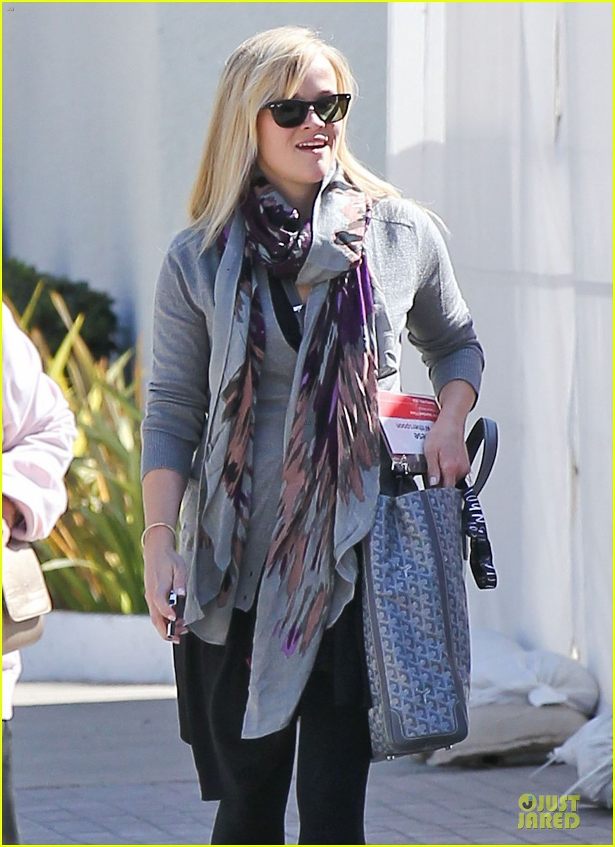 reese witherspoon nailed duet raves michael buble 022822041