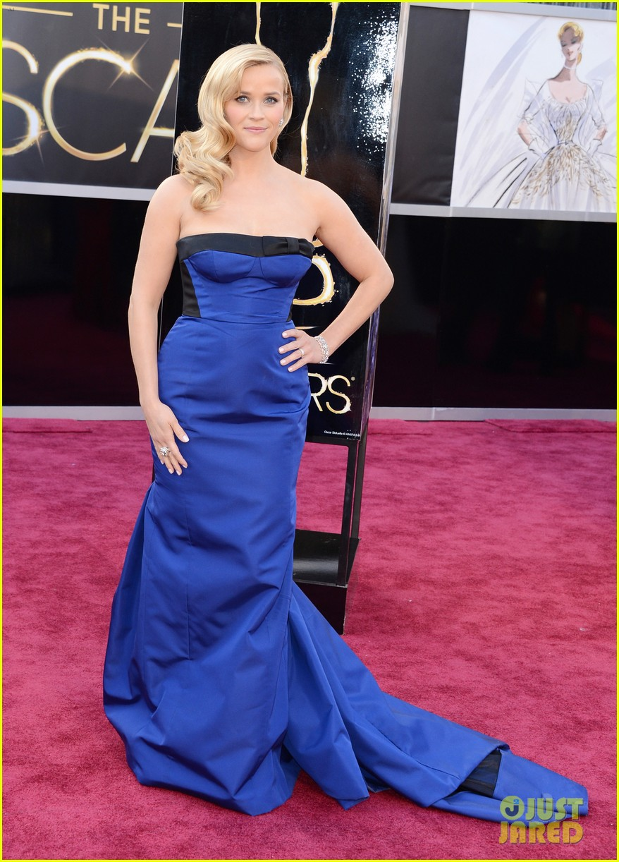 reese witherspoon oscars 2013 red carpet 03