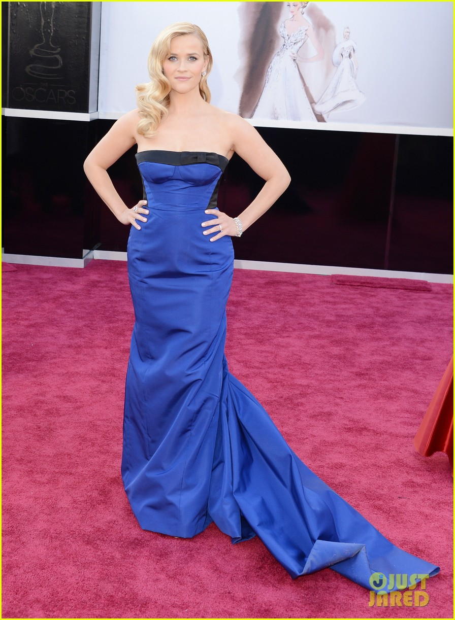 reese witherspoon oscars 2013 red carpet 05