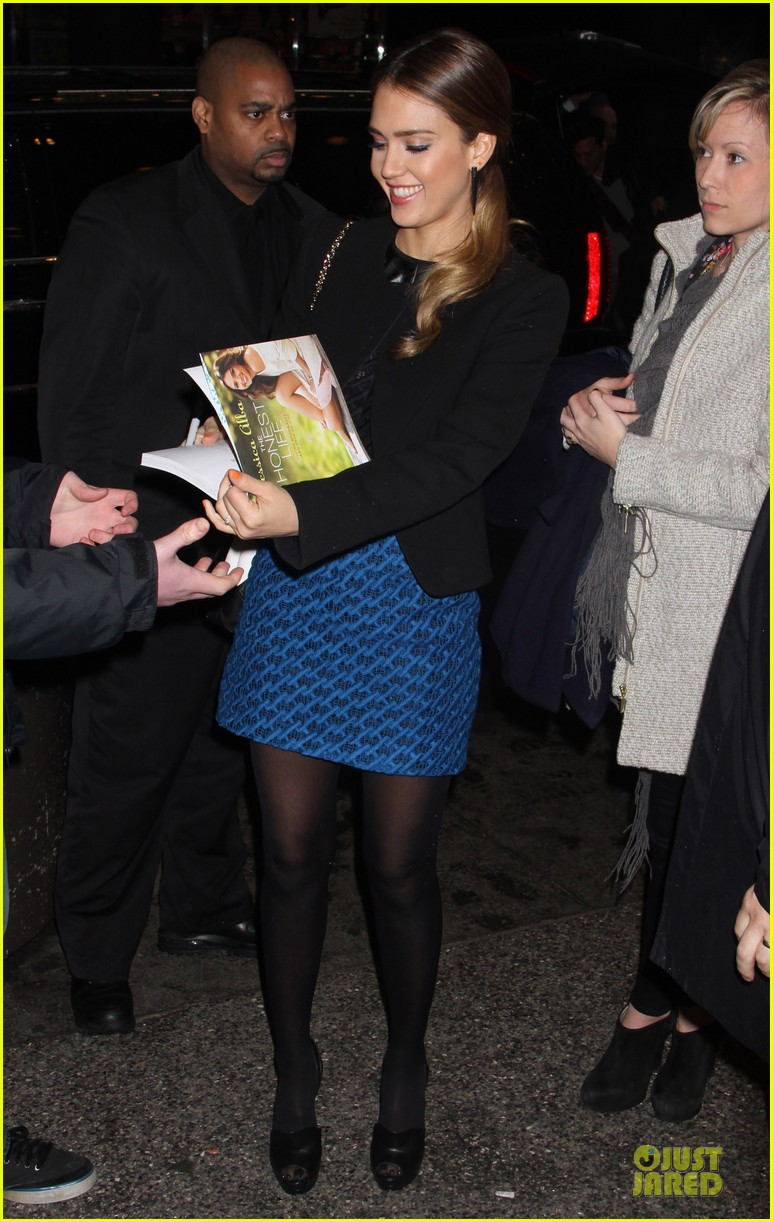 jessica alba honest life book promotion in new york 01
