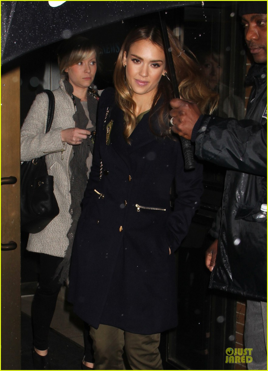 jessica alba honest life book promotion in new york 26