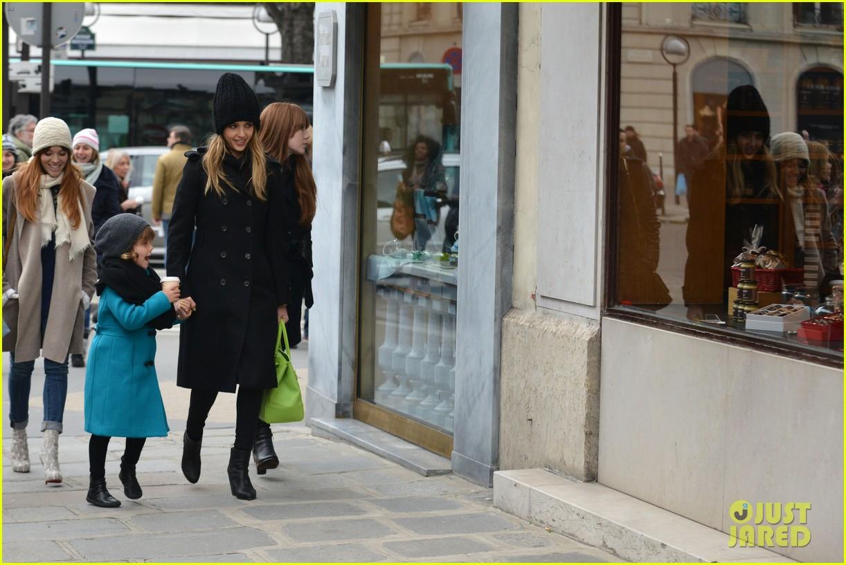 jessica alba kenzo paris fashion show 172824275