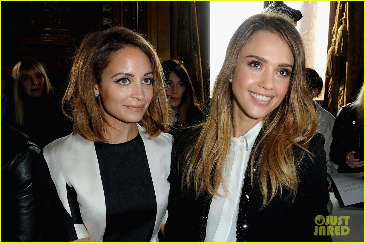 jessica alba nicole richie stella mccartney fashion show 09