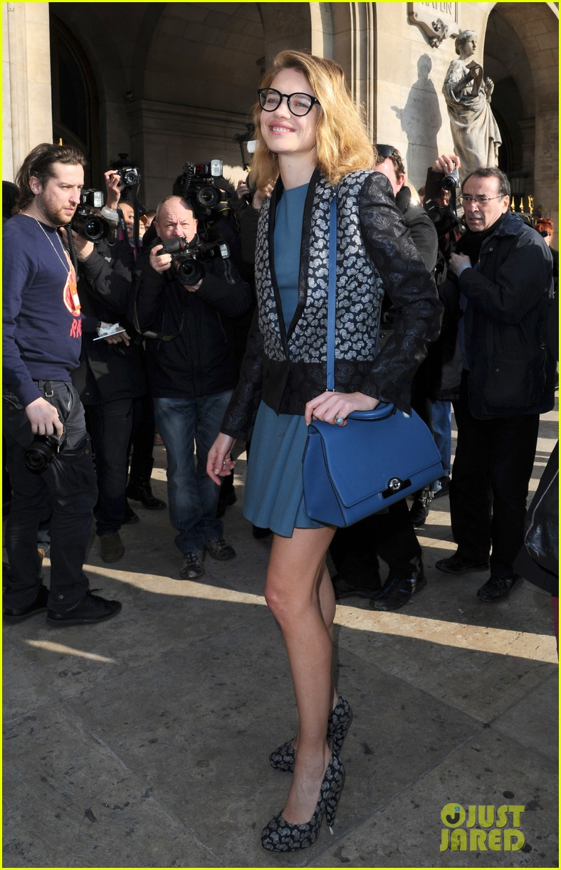 jessica alba nicole richie stella mccartney fashion show 122824758