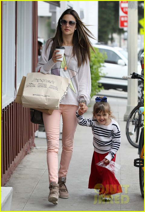 alessandra ambrosio fred segal shopper 16