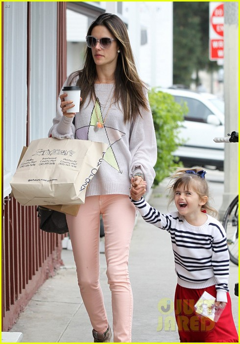 alessandra ambrosio fred segal shopper 19