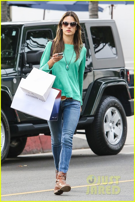 alessandra ambrosio fred segal shopper 41
