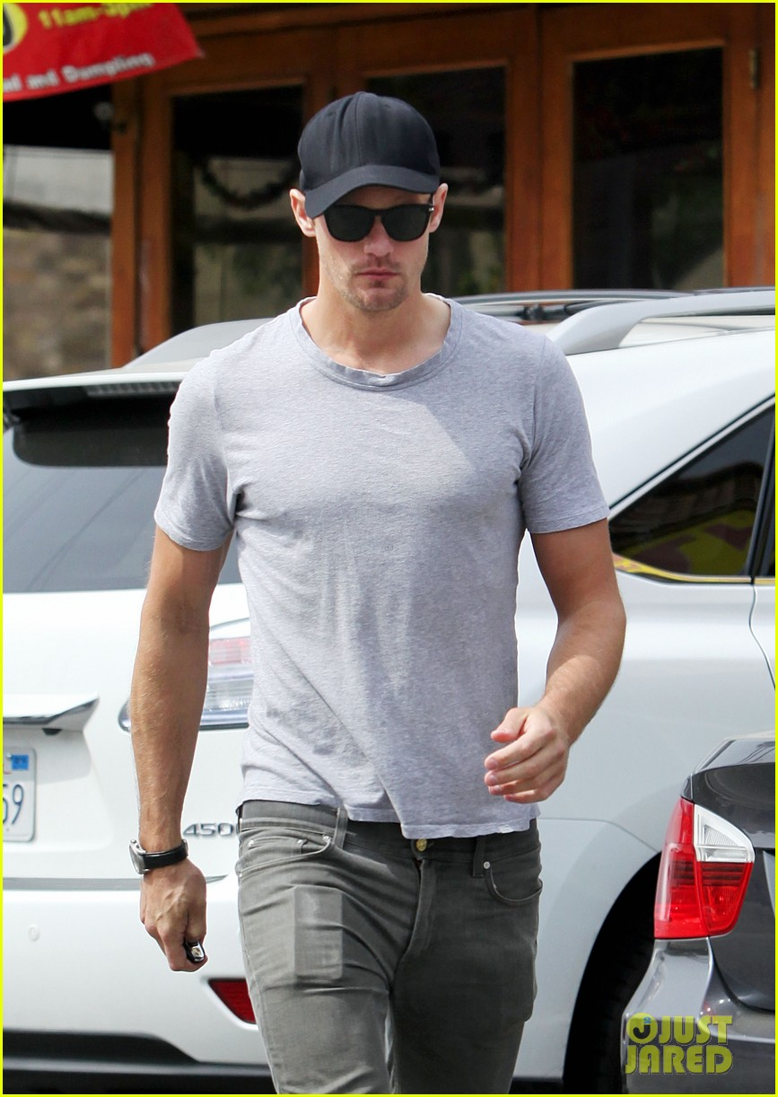 alexander skarsgard pimai its thai lunch 08