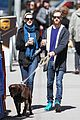 anne hathaway adam shulman dog walk in brooklyn 05