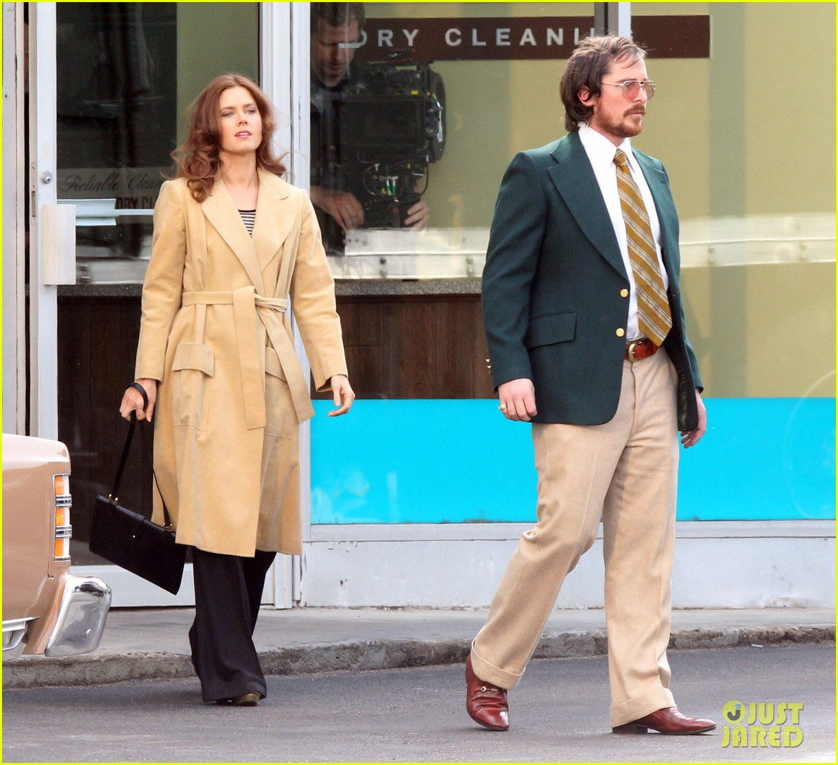 christian bale comb over cut for abscam with amy adams 15