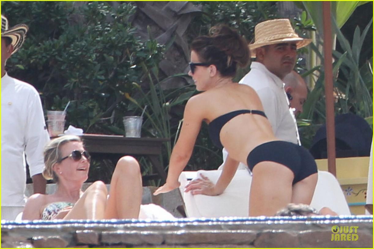 kate beckinsale black white bikini mama 192840181