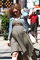 kristen bell baby bumpin monday 04
