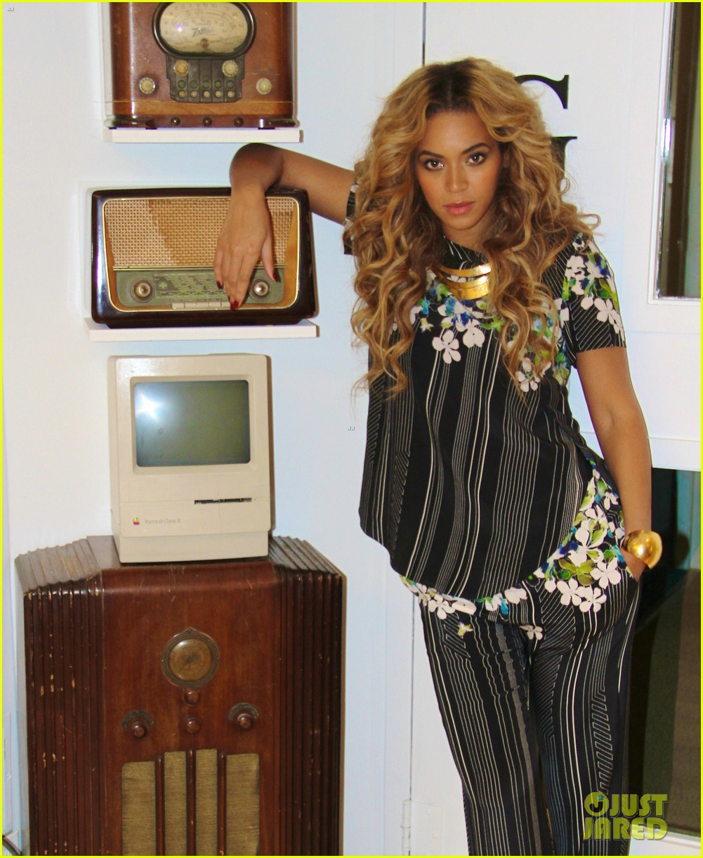 beyonce blue ivy brooklyn lunch pair 022837656