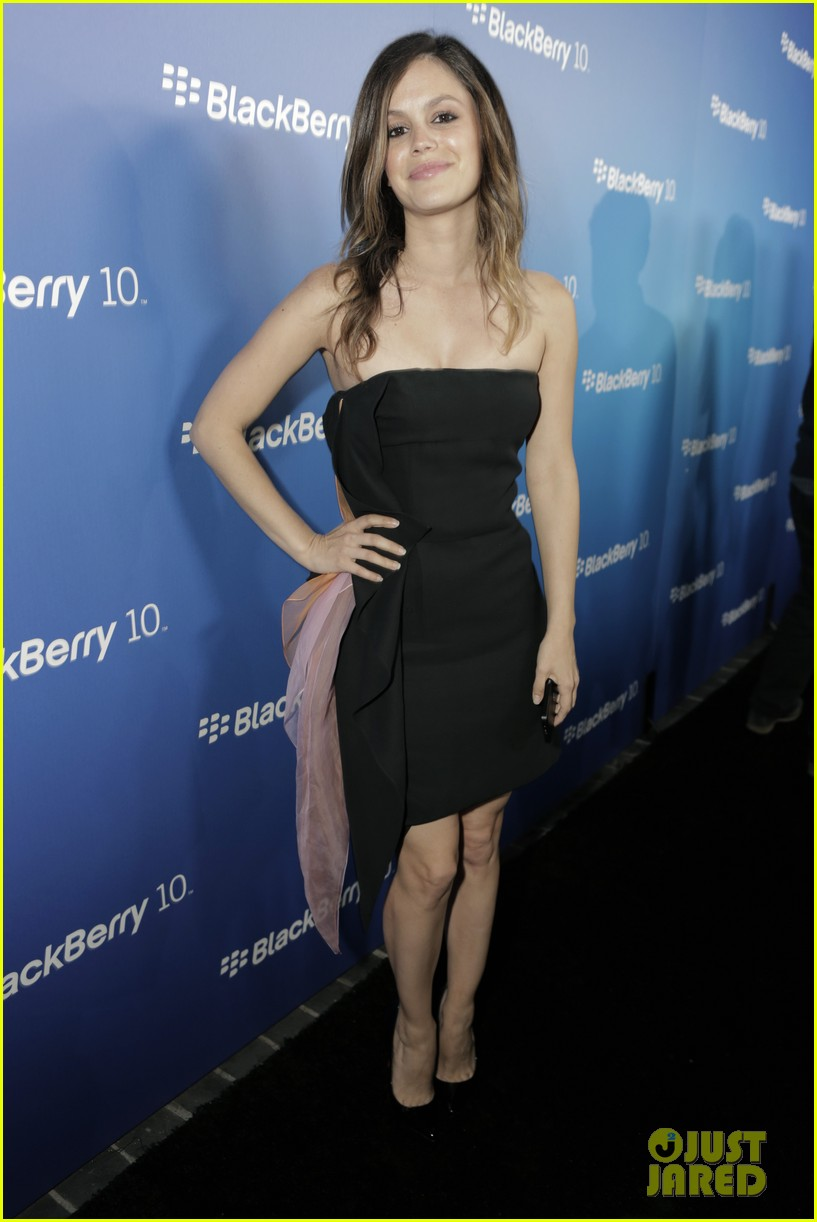 rachel bilson rosie huntington whiteley blackberry launch party 01