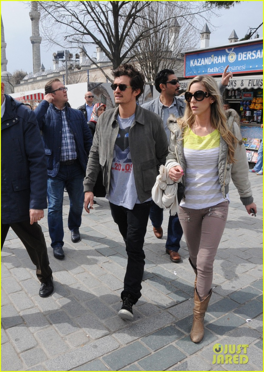 orlando bloom sightseeing in istanbul 10