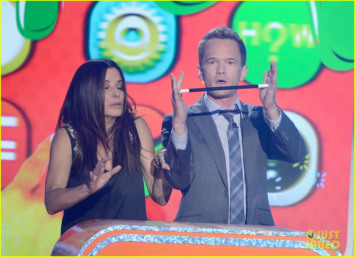 sandra bullock neil patrick harris slimed at kcas 2013 09
