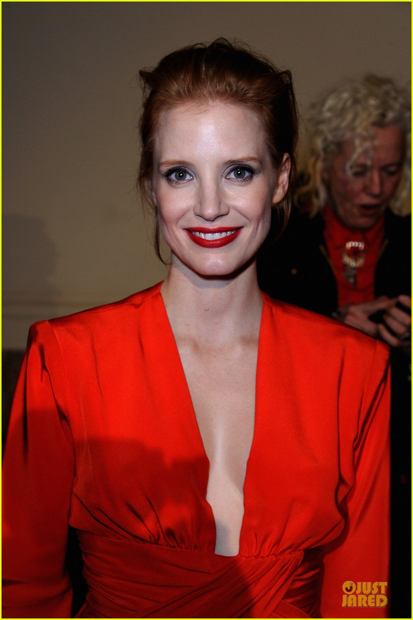 jessica chastain saint laurent fashion show 022824963