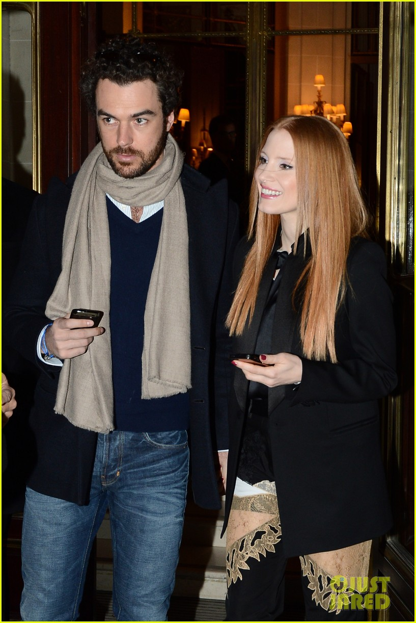 jessica chastain hotel exit with gian luca passi de preposulo 02