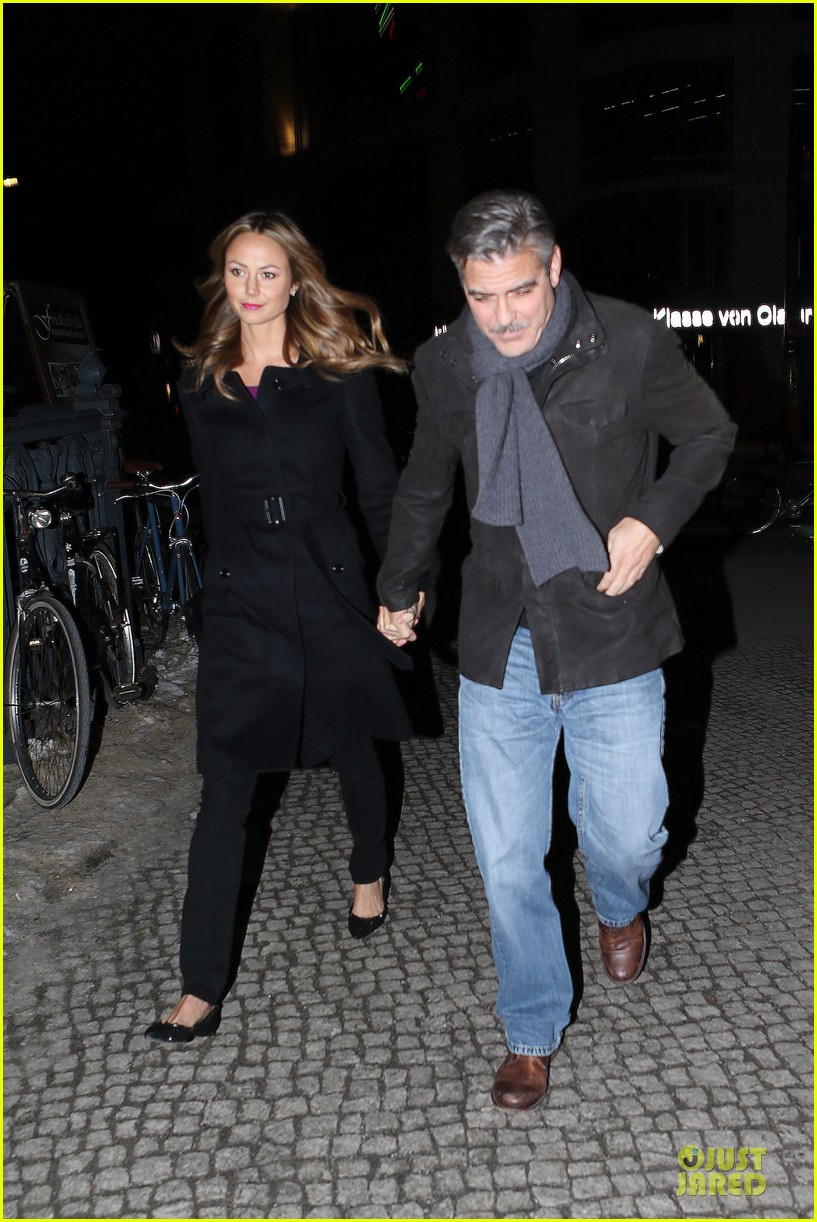 george clooney stacy keibler grille royal dinner with matt damon 21