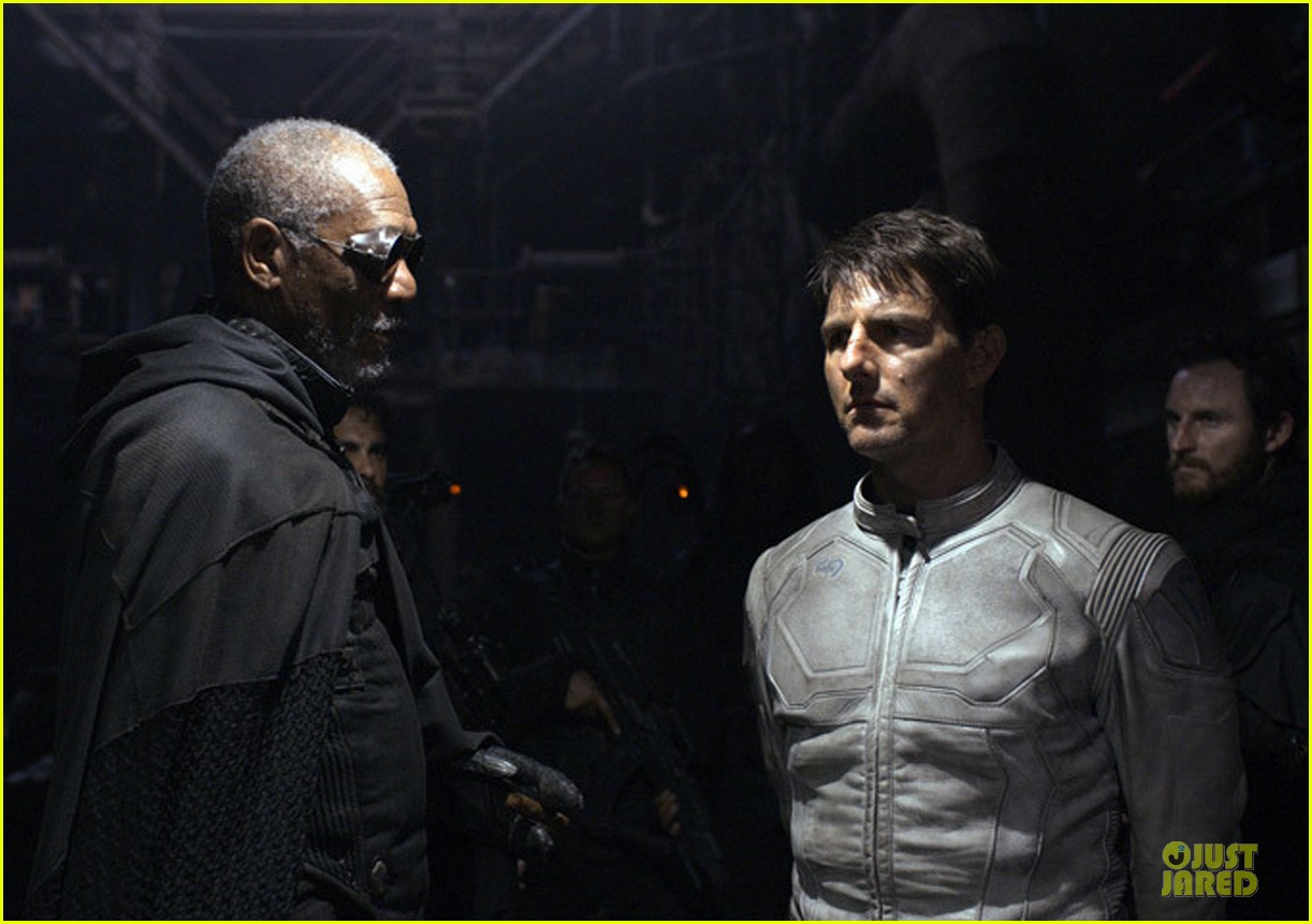 tom cruise oblivion stills released 04