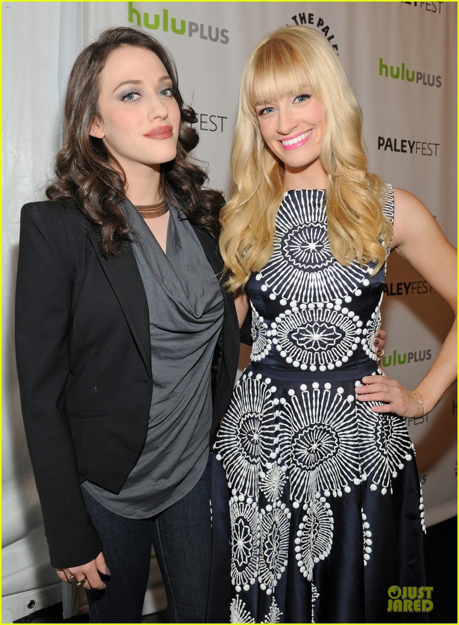 kat dennings beth behrs paleyfest with 2 broke girls cast 02