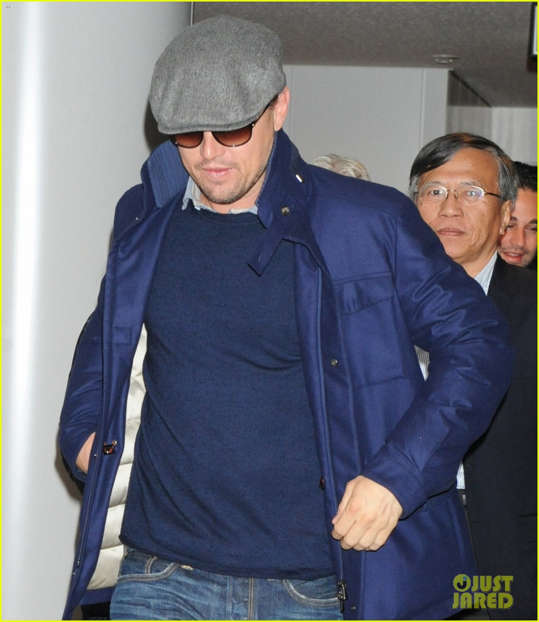 leonardo dicaprio from los angeles to japan 05