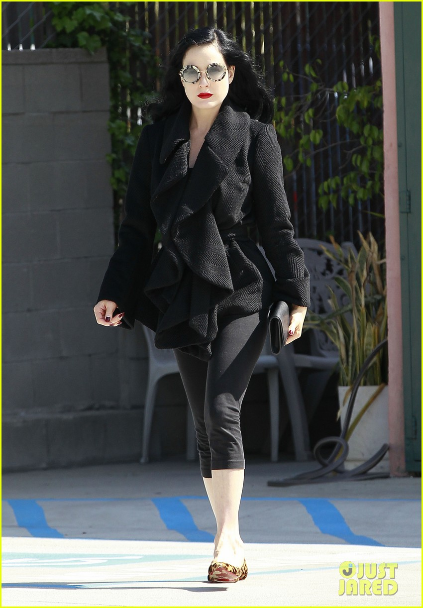 dita von teese back on the saddle with dressage lessons 09