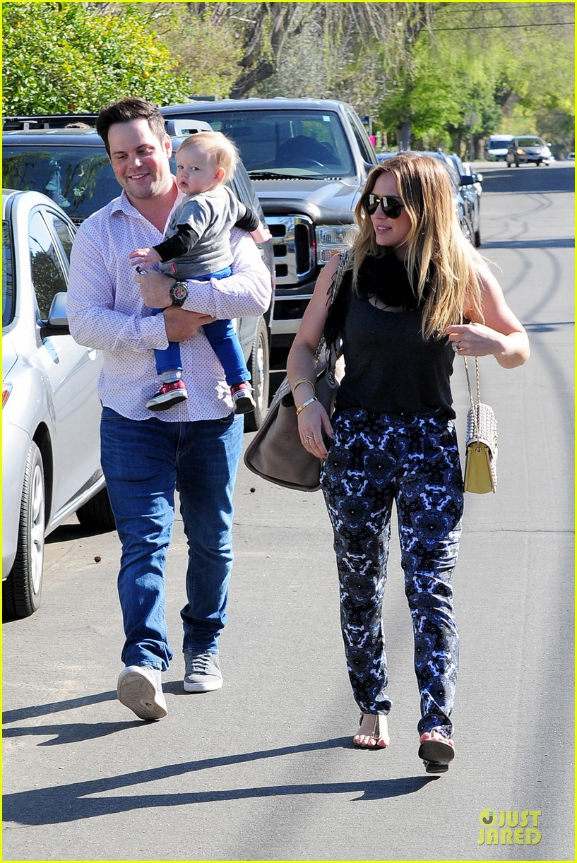 hilary duff mike comrie birthday party with luca 092828009