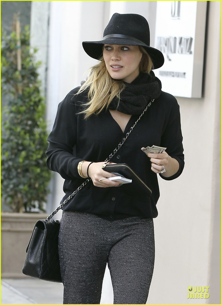 hilary duff mike comrie birthday party with luca 212828021