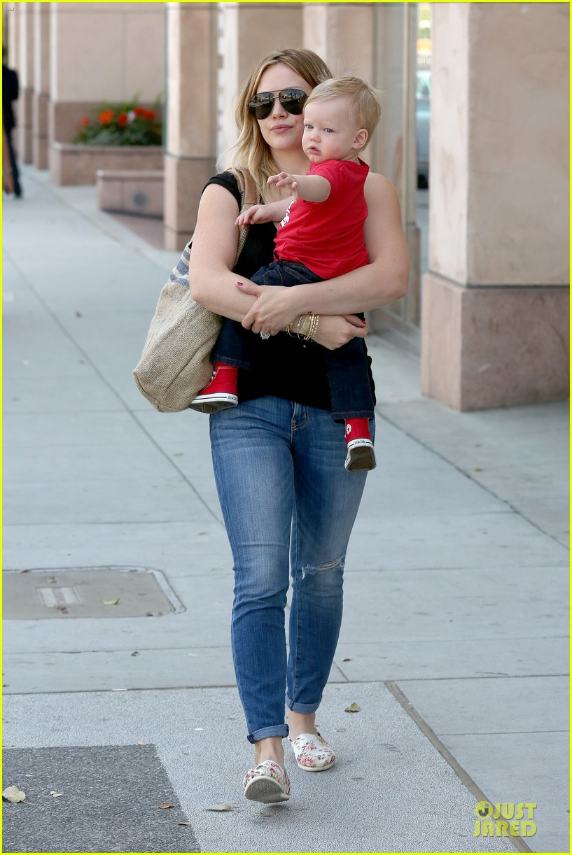hilary duff daily grill lunch stop 08